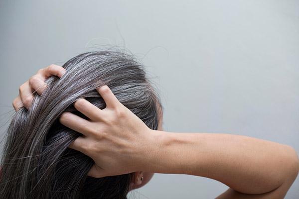 evitar cabelos brancos